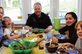 Kinh nghiệm sống với gia đình người bản xứ