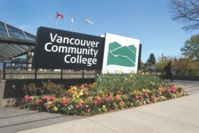 13/03/2017: 14h gặp gỡ đại diện trường Vancourver Community College - Ms Jenifer Gossen - Director of Interational Education